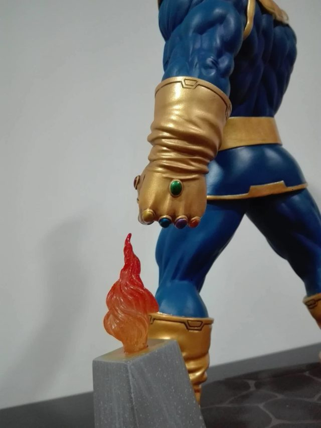 Diamond Select Thanos Statue Infinity Gauntlet