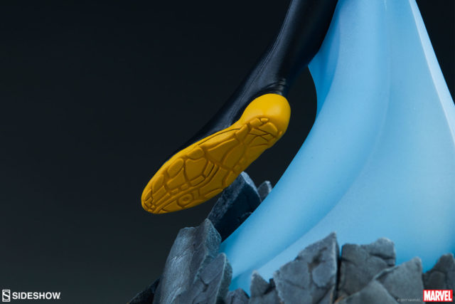 Treads on Bottom of Sideshow Avengers Assemble Wasp Statue Boot