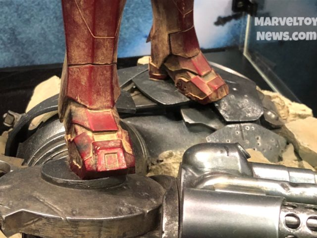 2017 NYCC Iron Man Mark III Base Sideshow Close-Up