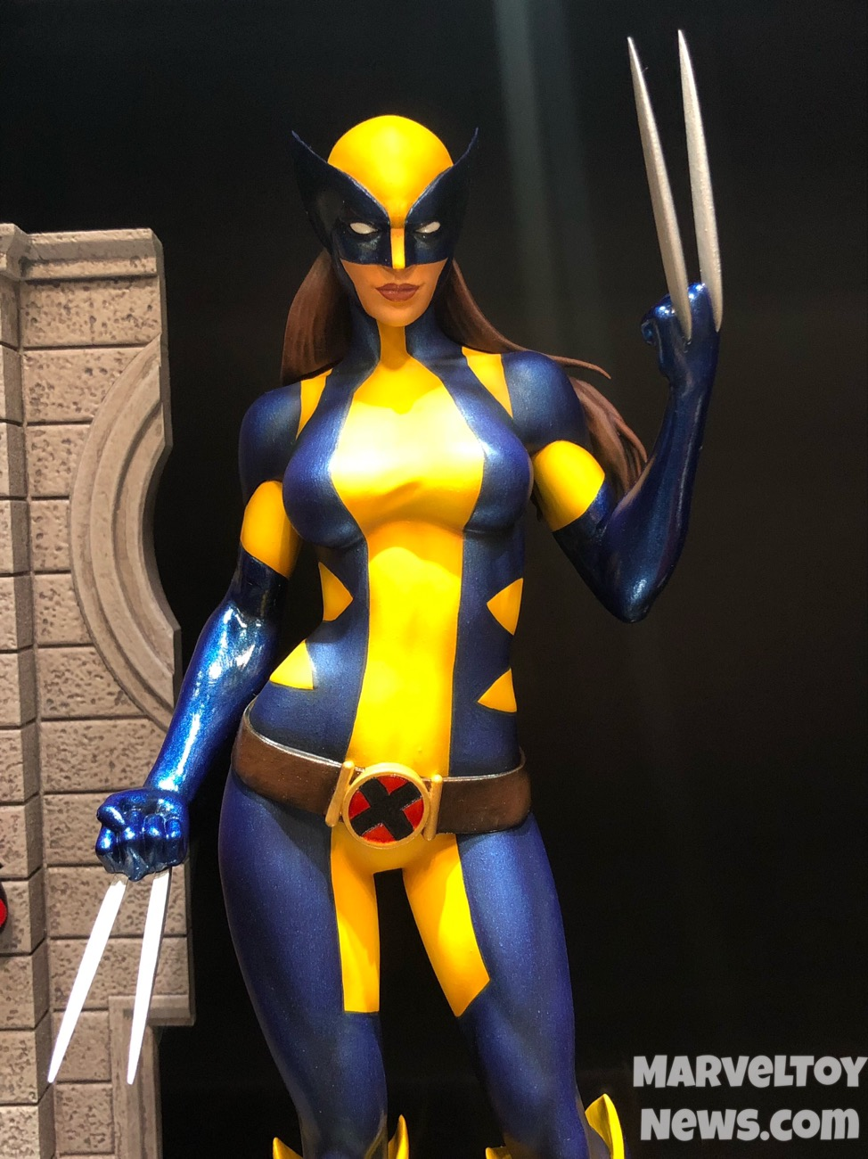 Nycc 2017 marvel gallery x 23 wolverine black widow statues nycc 2017 marvel gallery x 23 statue wolverine voltagebd Images