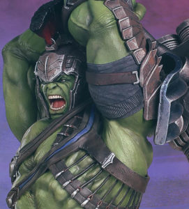 Close-Up of Gentle Giant Collector's Gallery Hulk Statue Thor Ragnarok
