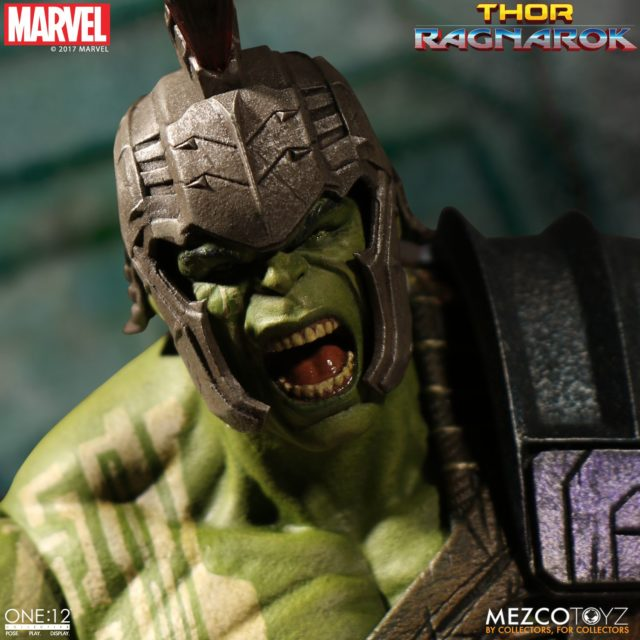 Mezco ONE12 Collective Gladiator Hulk Screaming Head with Helmet