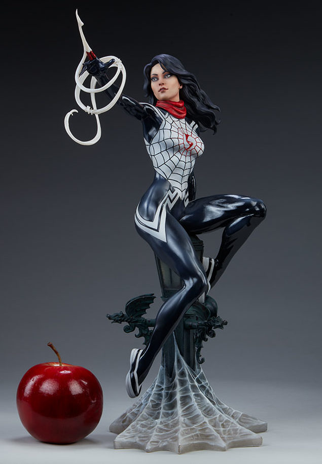 Sideshow Silk Statue Scale Photo Size Comparison with Apple