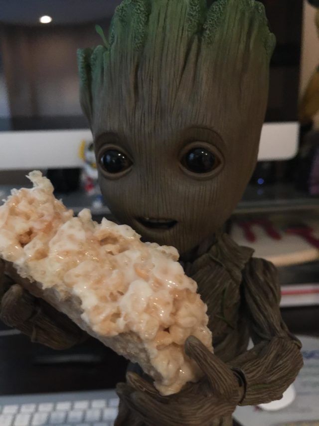 Hot Toys Groot Life Size Figure Eating a Rice Krispie Treat