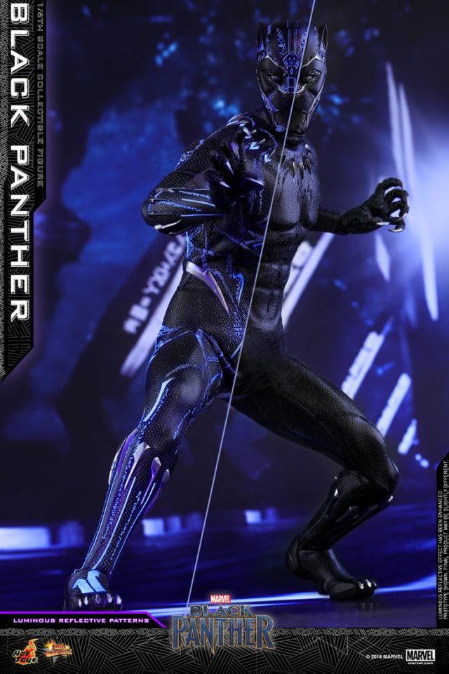 Reflective Lighting Effects on Hot Toys Black Panther MMS Figure