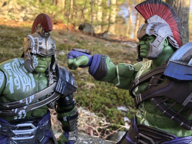 Poor Fitting Helmet on Hasbro Marvel Legends Gladiator Hulk BAF vs. DST Version