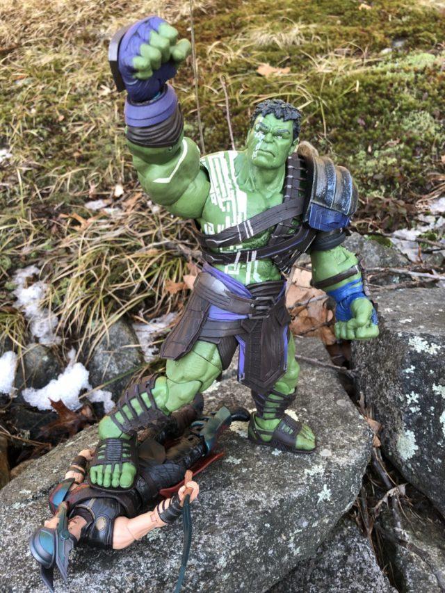 Diamond Select Ragnarok Hulk Figure Kills Thor