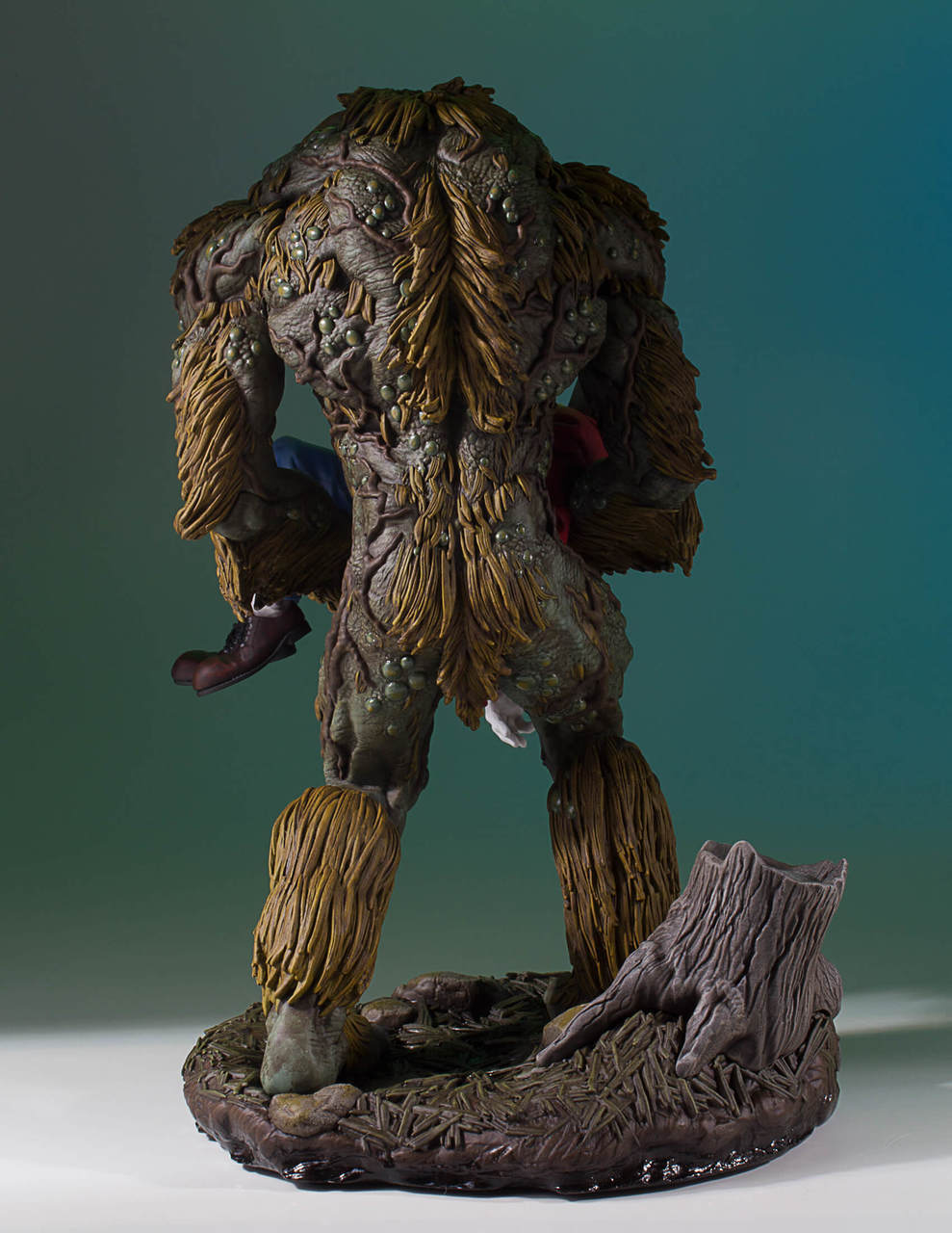 gentle giant manthing amp wolverine �92 statues up for