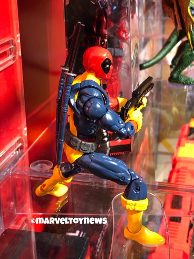X-Men Costume Deadpool Marvel Legends Action Figure