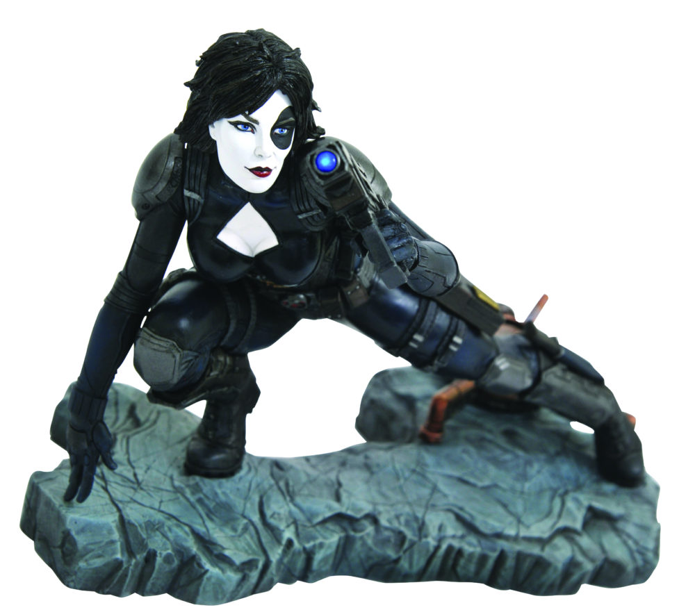 Marvel Premier Collection Domino & Black Panther Statues
