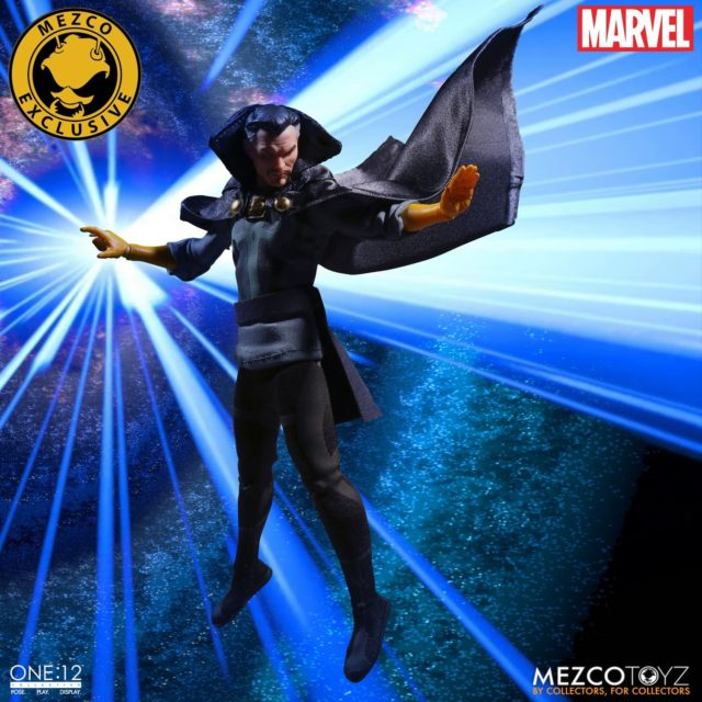 Mezco First Appearance Doctor Strange NYCC Exclusive with Blue Cape