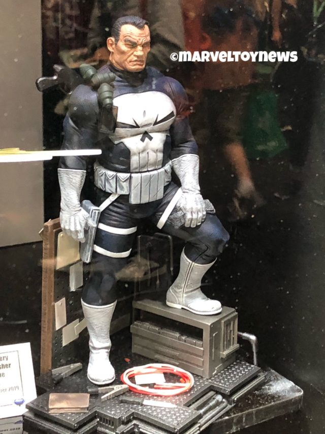 NYCC 2018 Marvel Gallery The Punisher Statue Comic Book Version