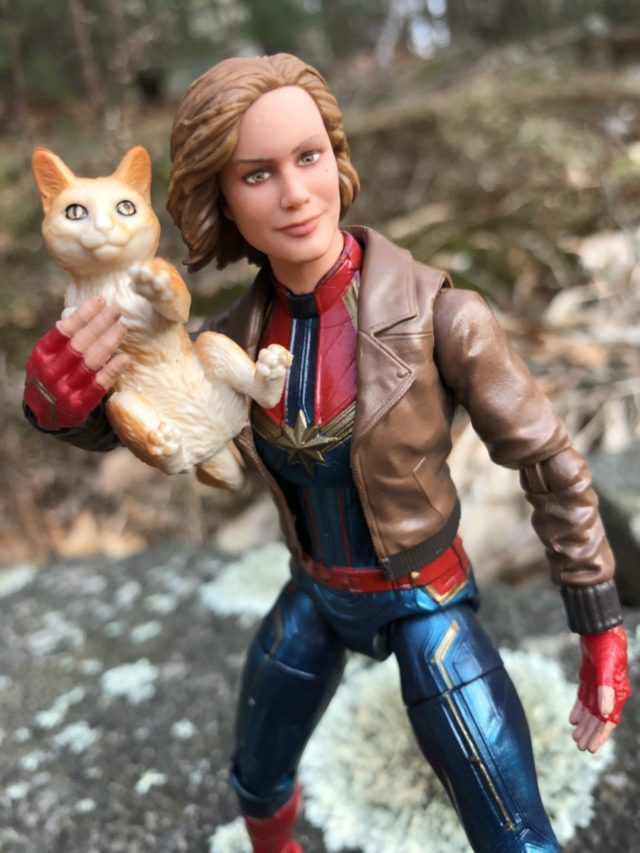 Marvel Legends Captain Marvel & Goose the Cat Figures Review