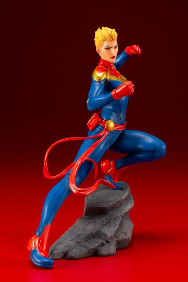 Kotobukiya Captain Marvel ARTFX+ Statue Side View