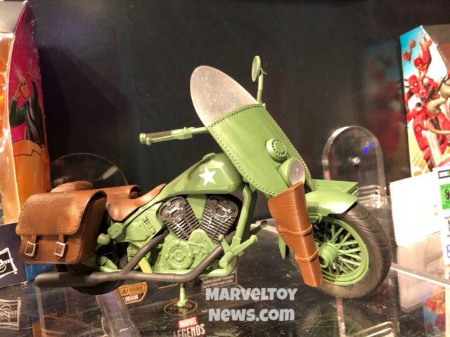 Ultimate Captain America WWII Motorcycle Marvel Legends Set