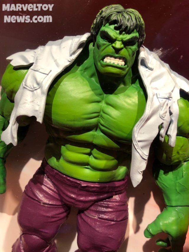 Hulk Marvel Legends 80th Anniversary Figure Close-Up Toy Fair