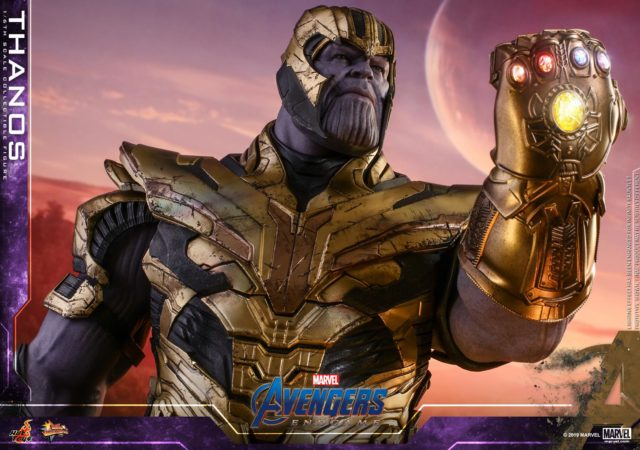 Armored Thanos Hot Toys Figure with Infinity Gauntlet