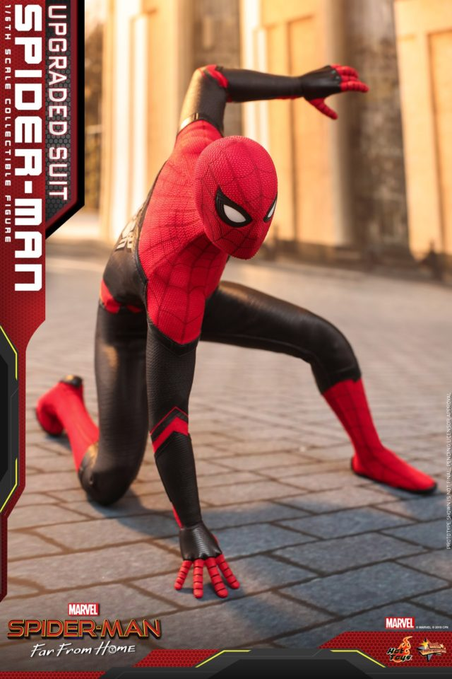 Hot Toys Spider-Man Far From Home Red Black Costume Figure Crouched