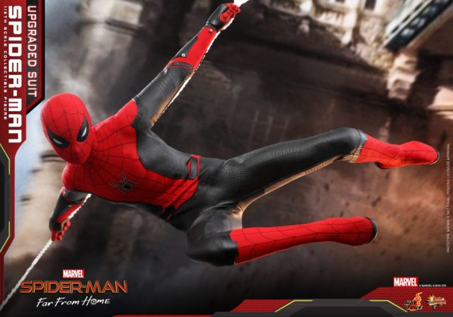 Web-Swinging Spider-Man Far From Home 12 INCH Figure Hot Toys