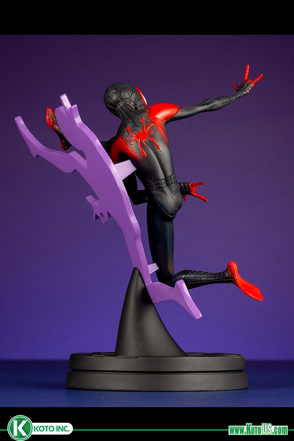 Back of Spider-Man Into the Spider-Verse Kotobukiya ARTFX PVC Figure