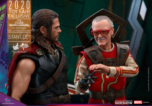 Hot Toys Thor Ragnarok Stan Lee Figure with Thor