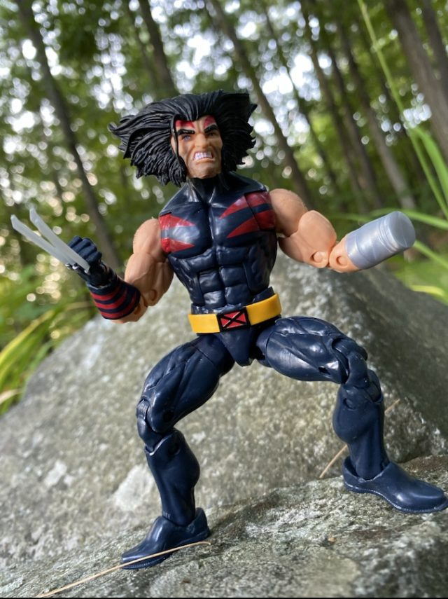 """2020 X-Men Marvel Legends AOA Weapon X Wolverine 6"""" Figure Review"""