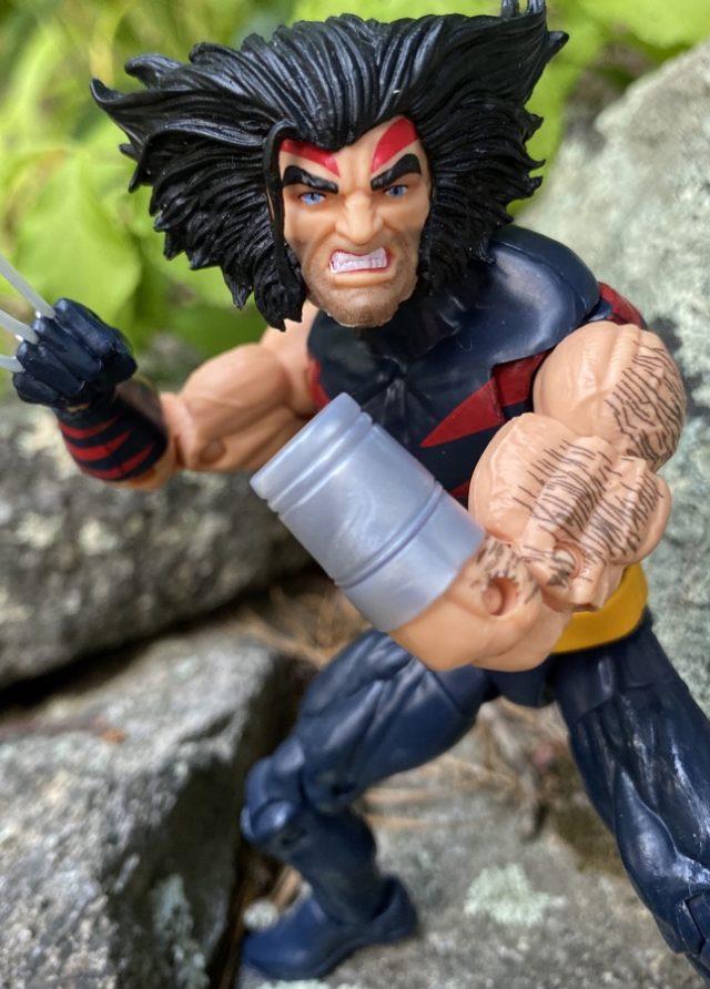 Hasbro Marvel Legends 2020 X-Men Age of Apocalypse Wolverine Figure Close-up