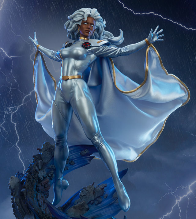 Sideshow Premium Format Figure Storm Statue
